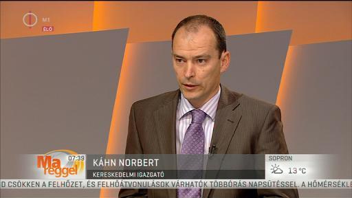 Káhn Róbert, kereskedelmi igazgató