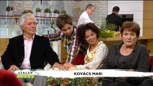 Kovács Mari [jobbra]