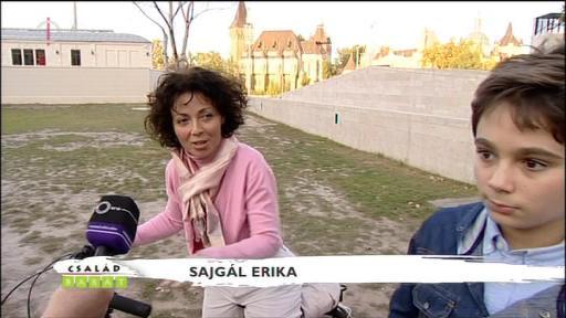 Sajgál Erika [balra]