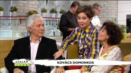 Kovács Domonkos [középen]