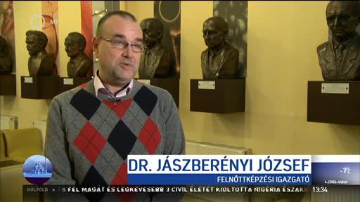dr. Jászberényi József, felnőttképzési igazgató