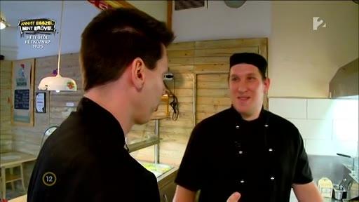 Kiss Ferenc, chef, Halkakas halbisztró [jobbra]